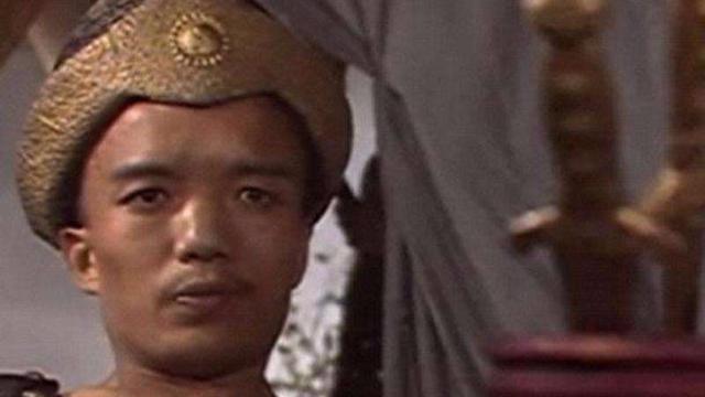 中国第一矮星,出演封神榜土行孙爆火,今穷苦潦倒靠低保过活!
