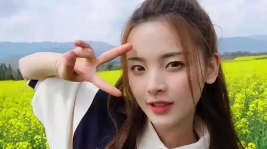 王源杨超越《哈哈农夫》片场互相拍照 两人身处油菜花田风景超美