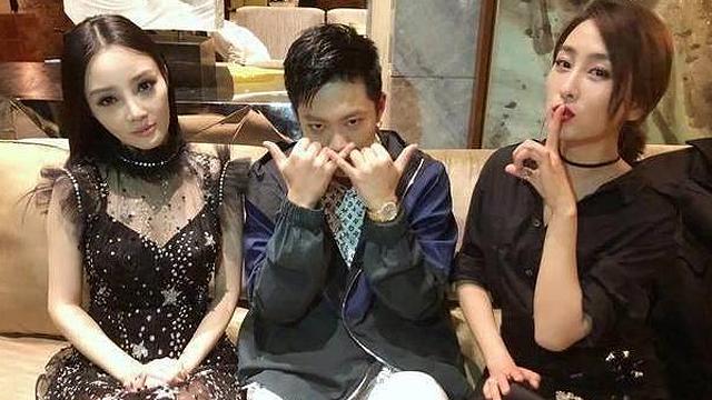 李小璐青春旅社狂秀RAP  PGONE:昨晚可是彻夜排练呢