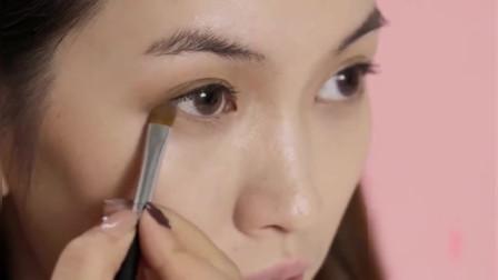 时尚美妆,这种颜色的眼影可以画出超模的感觉,时尚 高级感十足 不信你试试看