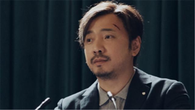【幕后玩家】定档4月28日 徐峥被迫当众脱裤