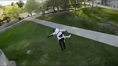 跑酷失误视频:搞笑跑酷失误集锦 牛人飞檐走壁大展绝