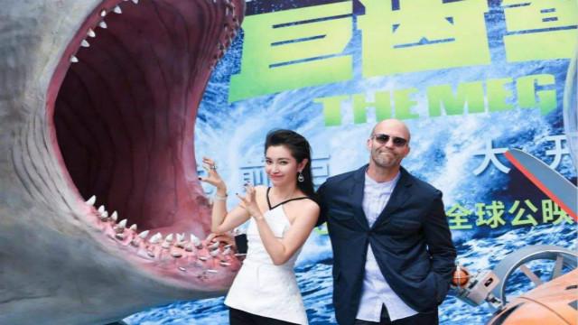 李冰冰在好莱坞多年终于演上女主角,巨齿鲨中搭档郭达斯坦森
