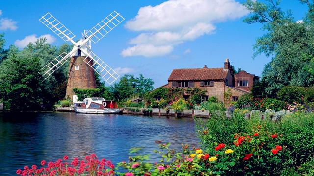 荷兰的天空 仿佛置身于童话国度