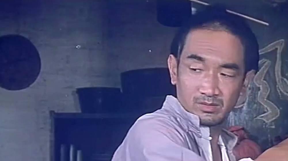 经典讽刺类型电影《阿Q正传》片段,这段太经典,强烈推荐!
