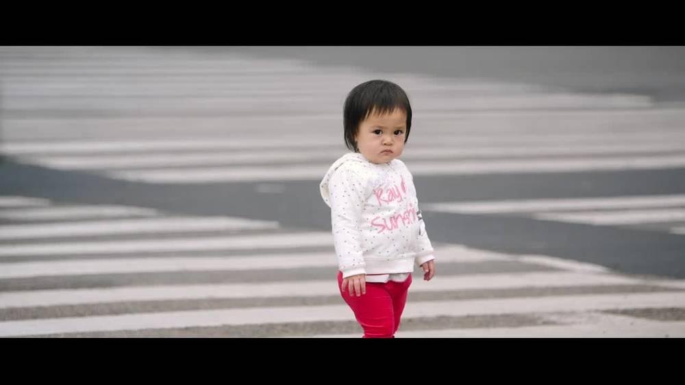 失孤:交警劝说失孤妈妈不料情绪激动,村民竟围攻刘德华
