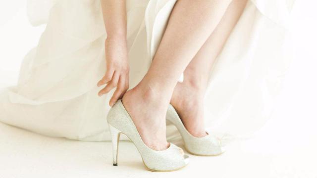 矮新郎因高跟鞋打未婚妻