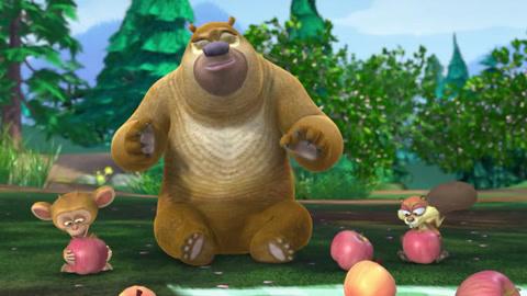 熊二和蹦蹦比赛吃苹果 熊出没之探险日记游戏