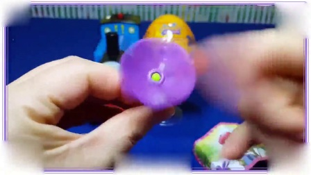 芭比娃娃与大耳朵图图都喜欢拆水晶玩具蛋,忍者神龟 数码宝贝