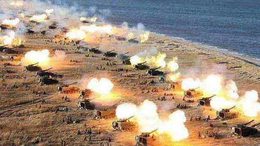 朝鲜半岛战争一触即发? 朝军导弹齐射火力全开