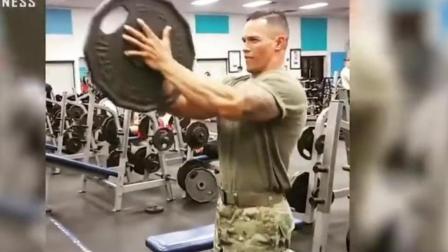 美国队长是如何炼成的! 大兵的日常训练看着都是一种享受