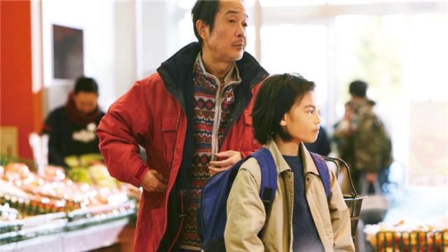 """8.3【小偷家族】""""家族的秘密""""温暖人心却又悬念十足"""