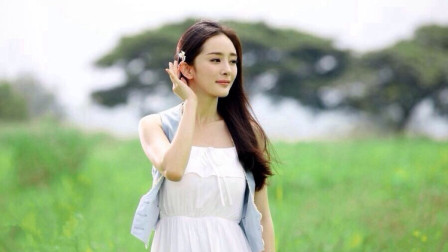 杨幂旗袍造型首次曝光,散发成熟女人魅力,她却嫌衩开得太高!