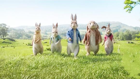 5分钟看完2018最新英国喜剧、冒险电影《比得兔》百年经典IP改编