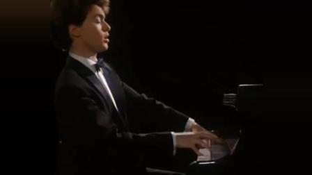 俄罗斯钢琴家基辛演奏巴赫-肯普夫《西西里舞曲》