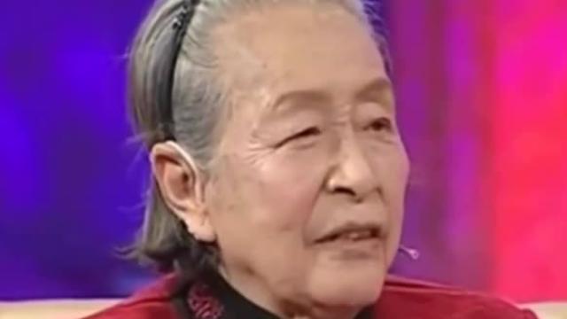 33岁开始演戏,曾出演《小兵张嘎》,84岁获得影后