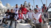 中国帆船公开赛-惊现超帅帆船大叔送上暖心中秋祝福