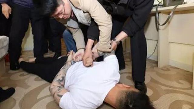 网络女主播之死:57岁男粉丝追上门示爱杀人 捅了90多剪刀